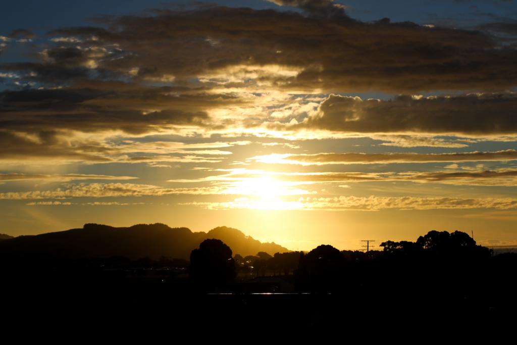 sundown_raglan