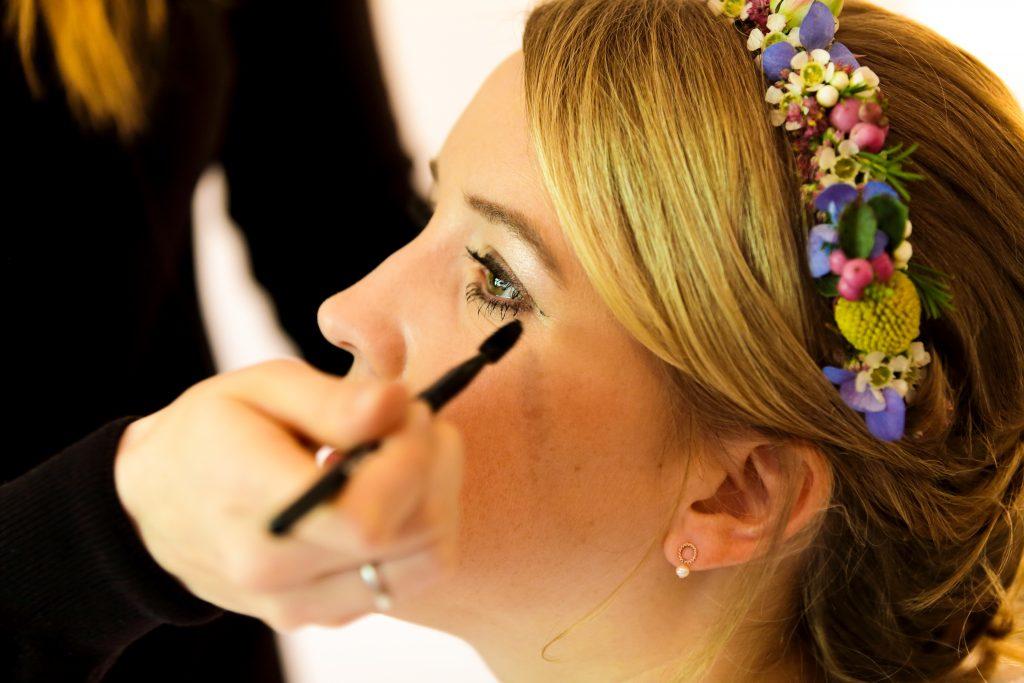 Corinna Hof Styling Braut Blumenkranz