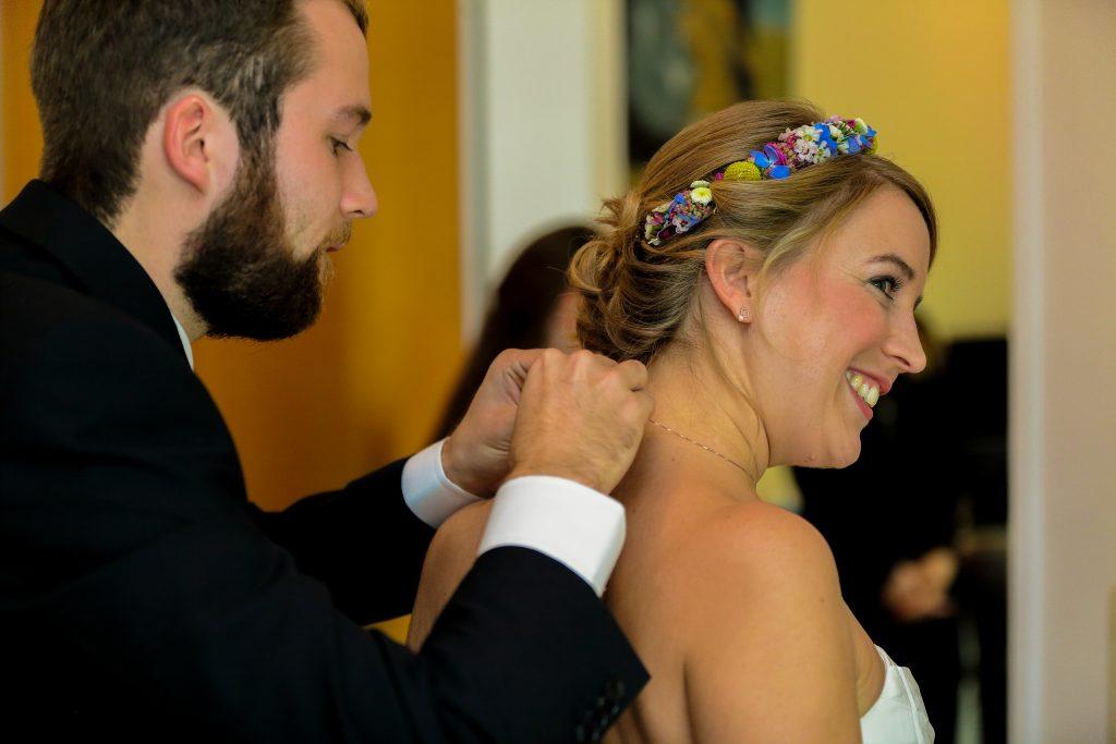 Blumenkranz Hochzeitsfrisur