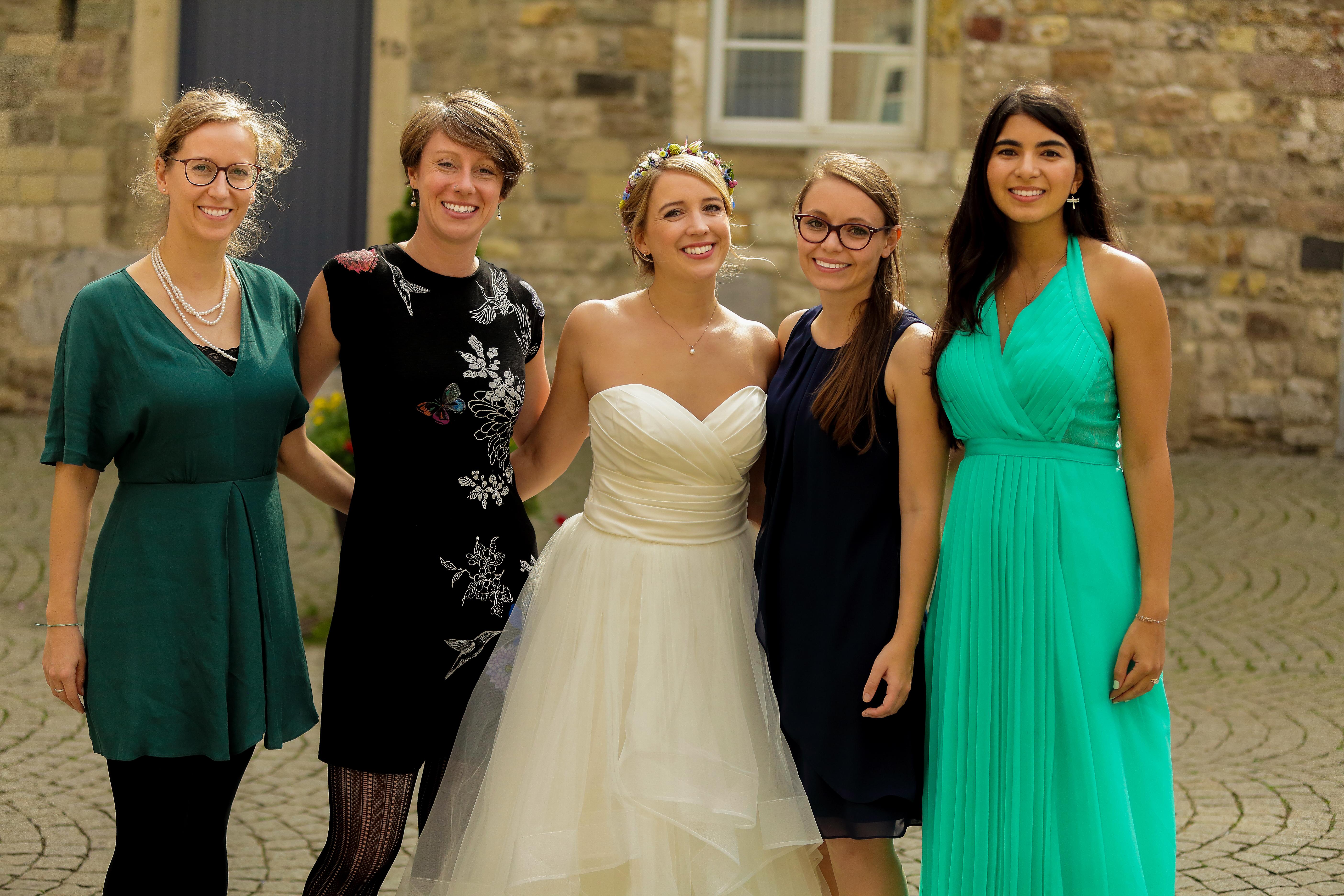Dresscode Hochzeit Aachen Braut Brautjungfer